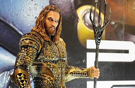 Aquaman statue at premier of DC Movie